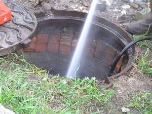 Чистка канализационных колодцев