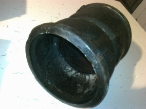 Муфта для соединения чугунных труб