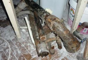 Демонтаж старых труб