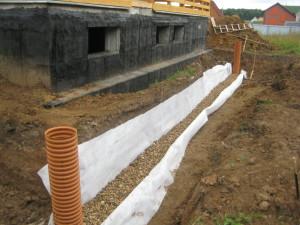 Сборка дренажного трубопровода