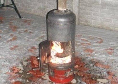 Из газового баллона печь