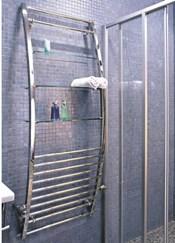 Водяной полотенцесушитель с хромированным контуром